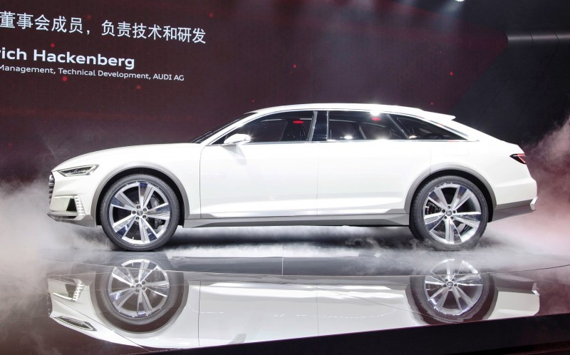 2015 Audi Prologue Avant Concept 30