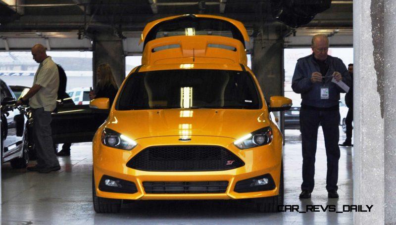 2015 Ford Focus ST Tangerine Scream ST2 Pack 82