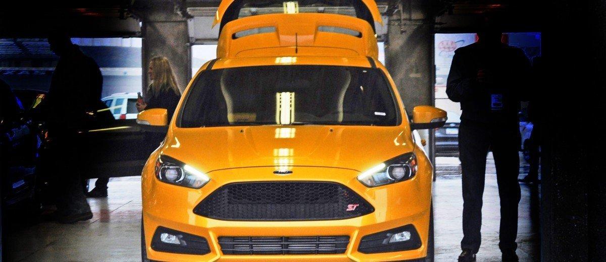 2015-Ford-Focus-ST-Tangerine-Scream-ST2-Pack-82