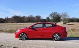2015 Hyundai Accent GLS Sedan 25