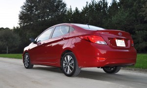 2015 Hyundai Accent GLS Sedan 58