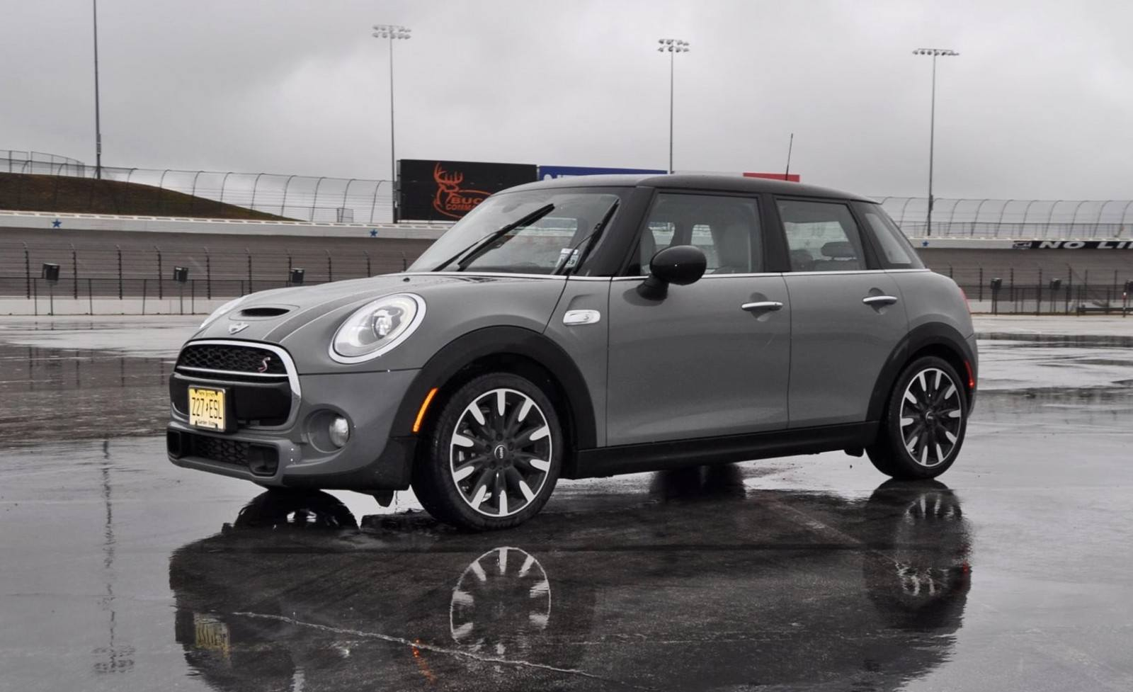 2015 mini cooper s hardtop 4 door review. Black Bedroom Furniture Sets. Home Design Ideas