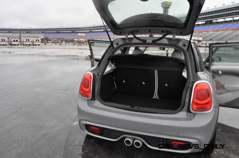 2015 MINI Cooper S Hardtop 4-Door Interior 11