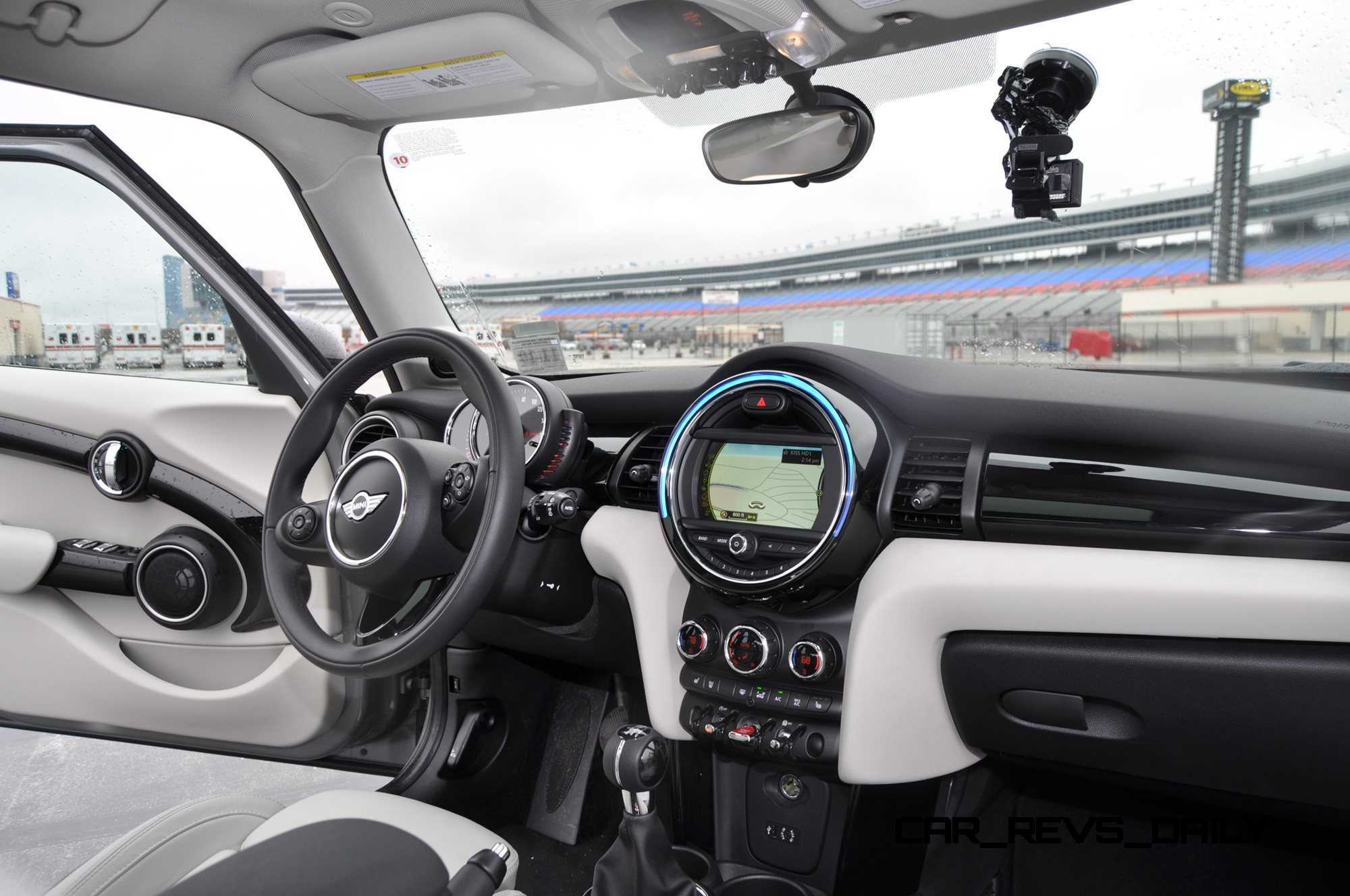 2015 MINI Cooper S Hardtop 4-Door Interior 13