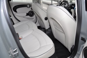 2015 MINI Cooper S Hardtop 4-Door Interior 15