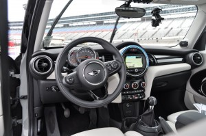 2015 MINI Cooper S Hardtop 4-Door Interior 2