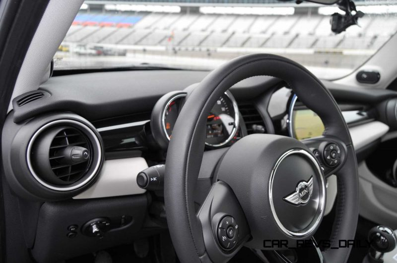 2015 MINI Cooper S Hardtop 4-Door Interior 6