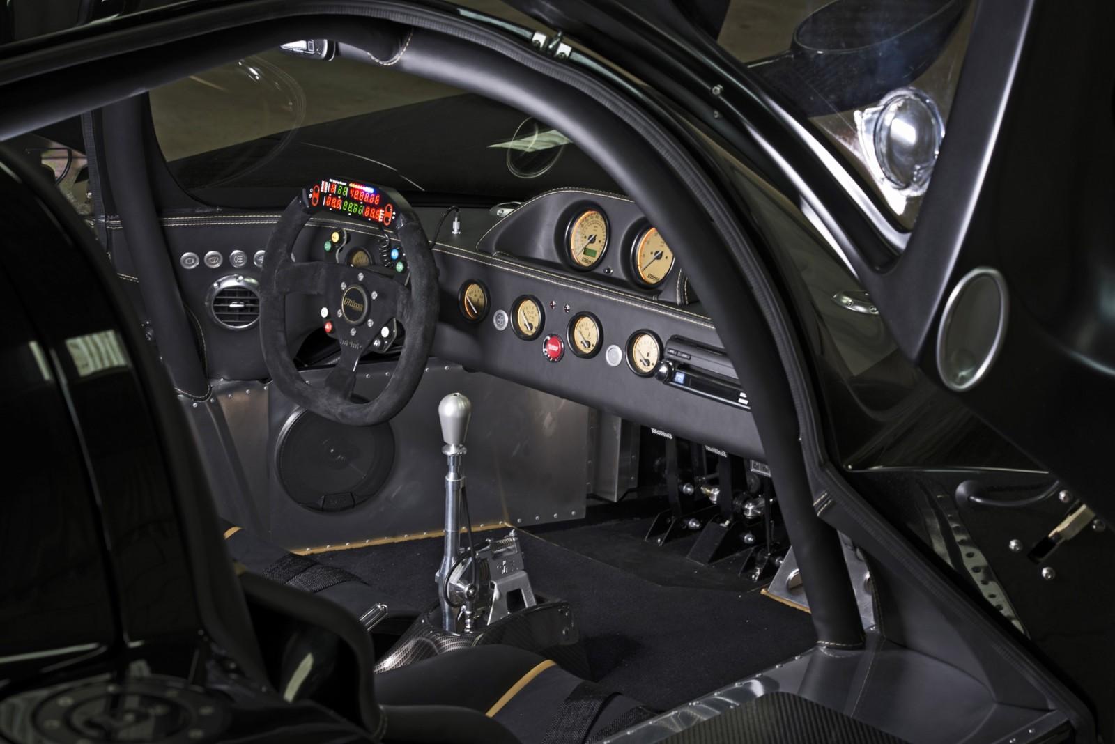 2015 ULTIMA Evolution Coupe 37