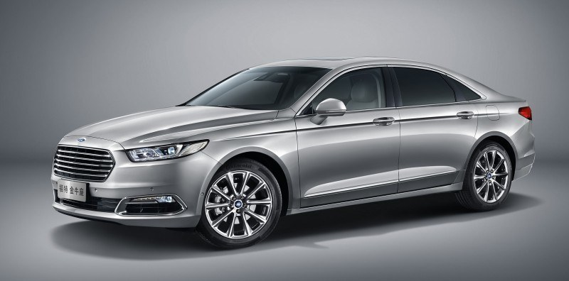 2016 Ford Taurus China 1