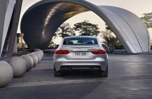 2016 Jaguar XF 64