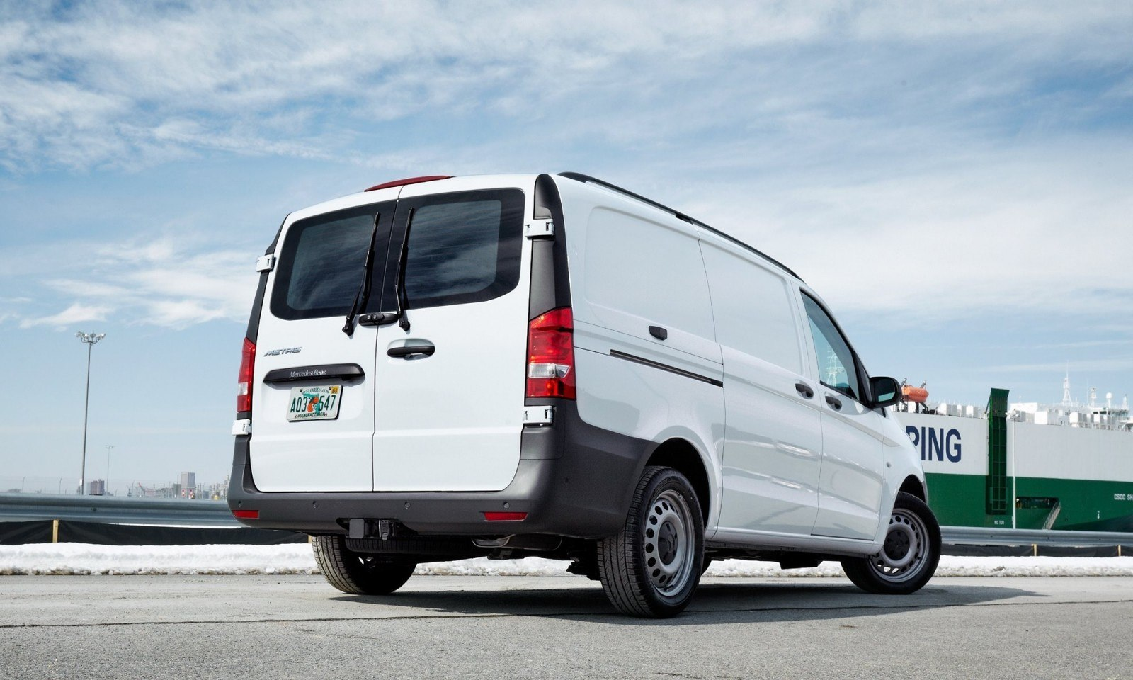 2016 mercedes benz metris usa for Mercedes benz work vans