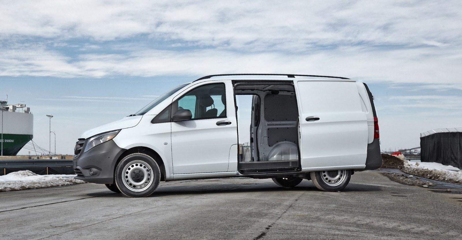 the 2016 mercedes benz metris cargo van car revs. Black Bedroom Furniture Sets. Home Design Ideas