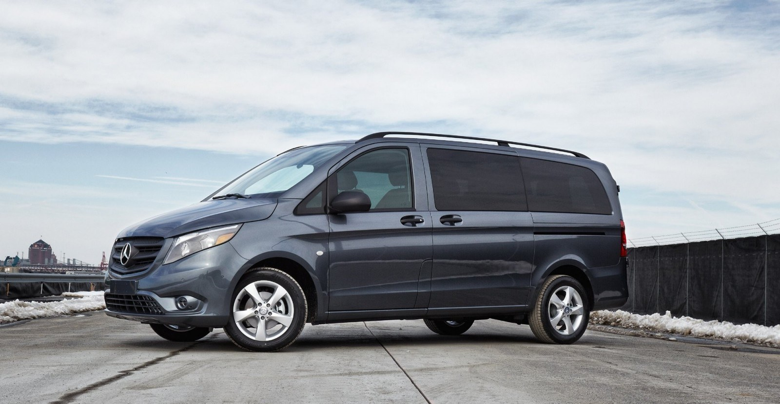 2016 mercedes benz metris usa for Mercedes benz van 2015