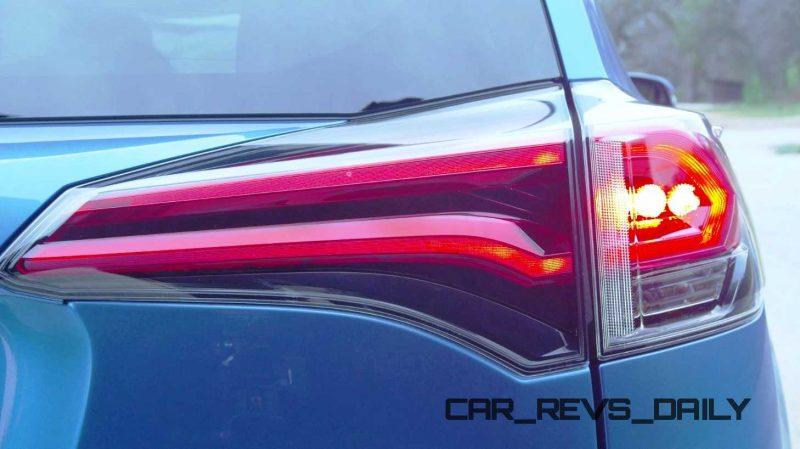 2016 Toyota RAV4 Hybrid 10
