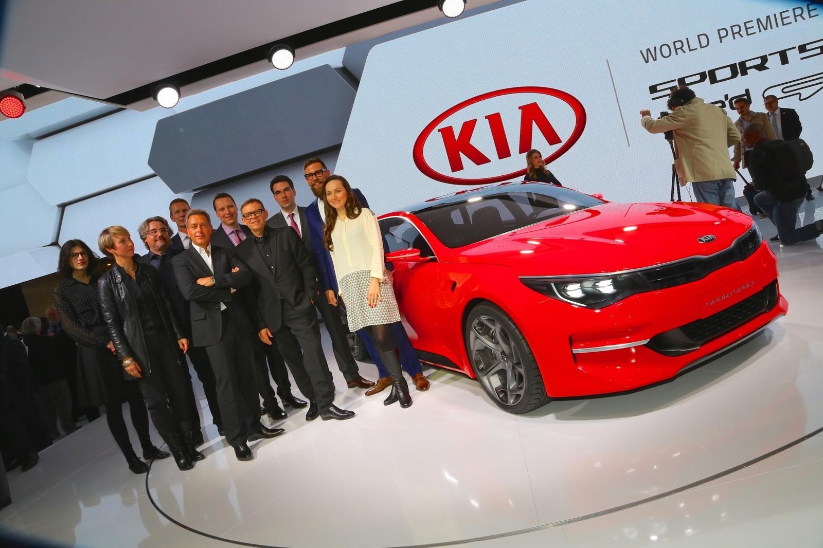 Kia SPORTSPACE Concept unveil - designers-64213