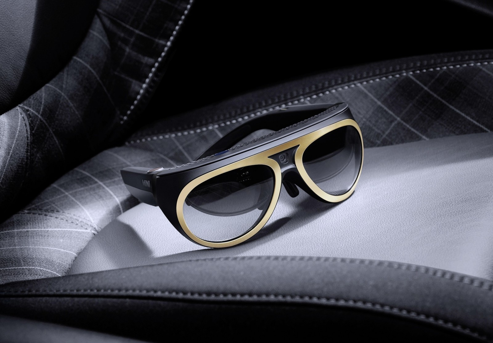 MINI Reveals New Augmented Vision Goggle Concept 15