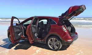 Road Test Review - 2015 Lincoln MKC Black Label 2