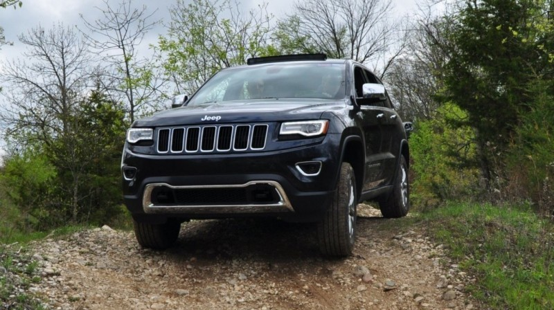2014-Jeep-Grand-Cherokee-Shows-Its-Trail-Rated-Skills-Off-Road-44