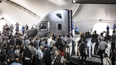 2015 Freightliner Inspiration Truck Concept 37