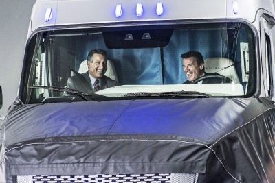 2015 Freightliner Inspiration Truck Concept 38