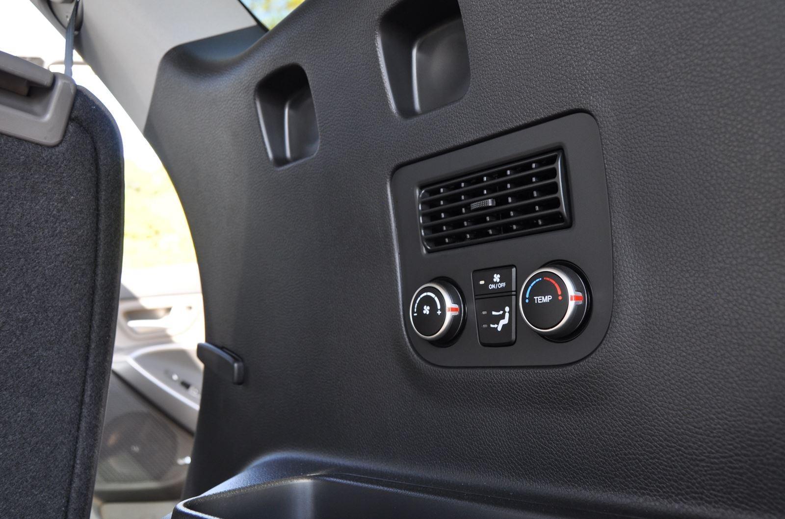 2015 Hyundai Santa Fe LWB Ultimate - Interior Photos 11
