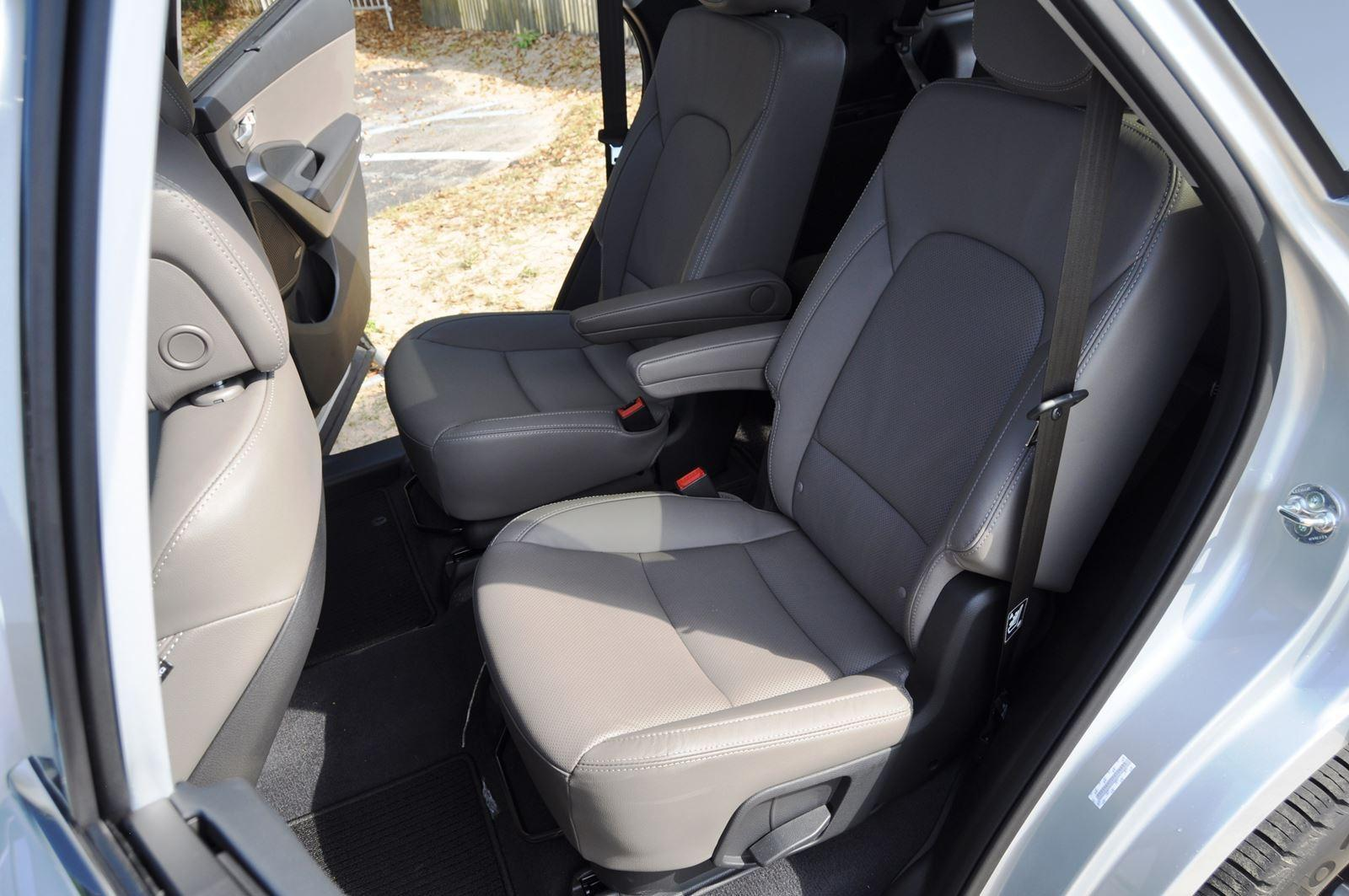 2015 Hyundai Santa Fe LWB Ultimate - Interior Photos 2