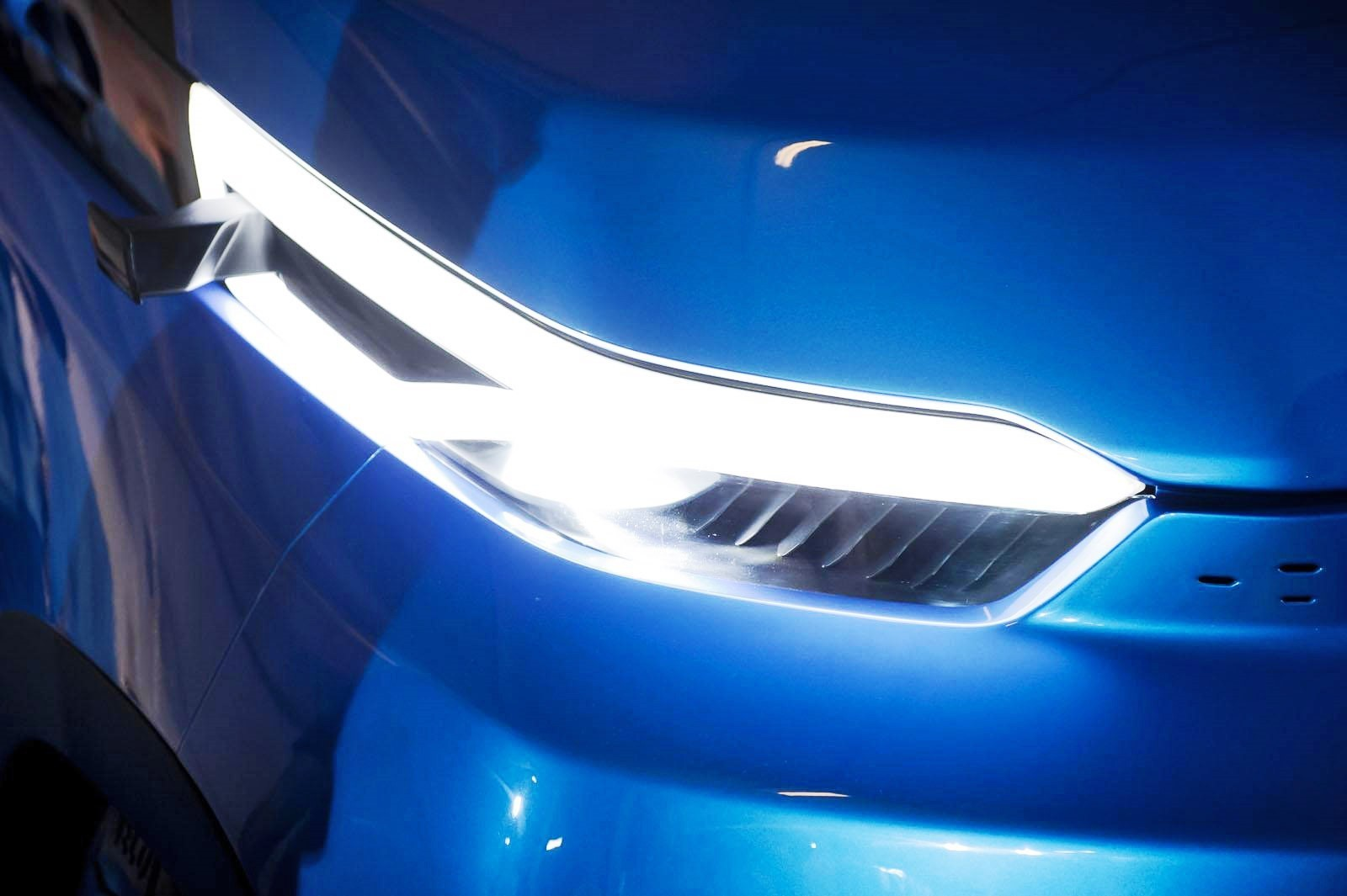 2015 IVECO Vision Concept Van 16