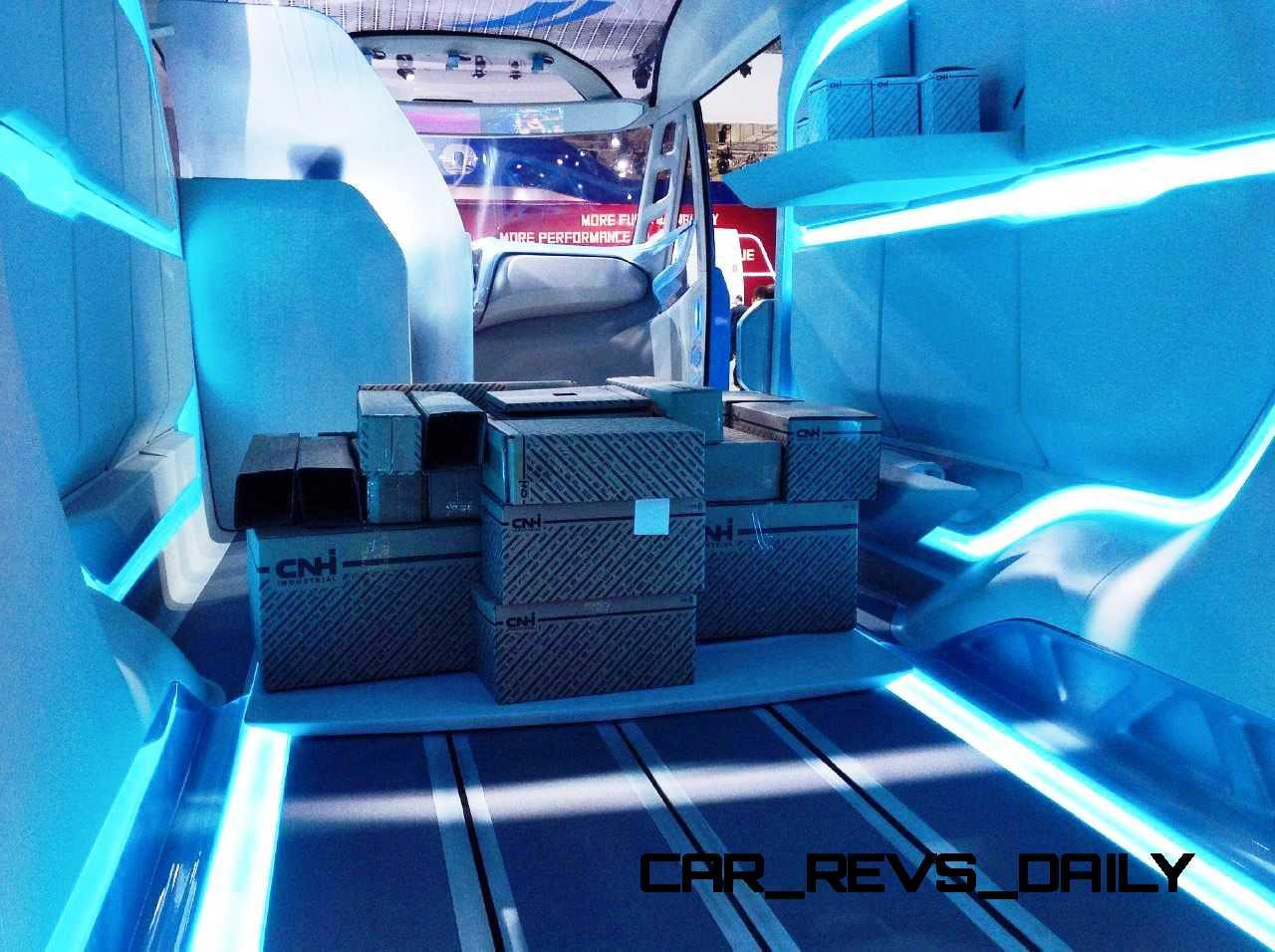 2015 IVECO Vision Concept Van 22