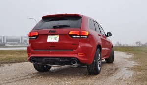 2015 Jeep Grand Cherokee SRT  35
