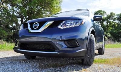 2015 Nissan Rogue SV 17