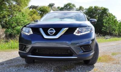 2015 Nissan Rogue SV 19