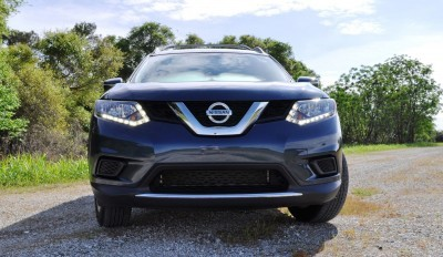 2015 Nissan Rogue SV 22
