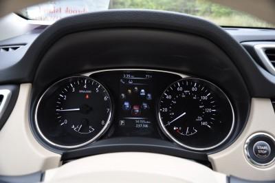 2015 Nissan Rogue SV 57