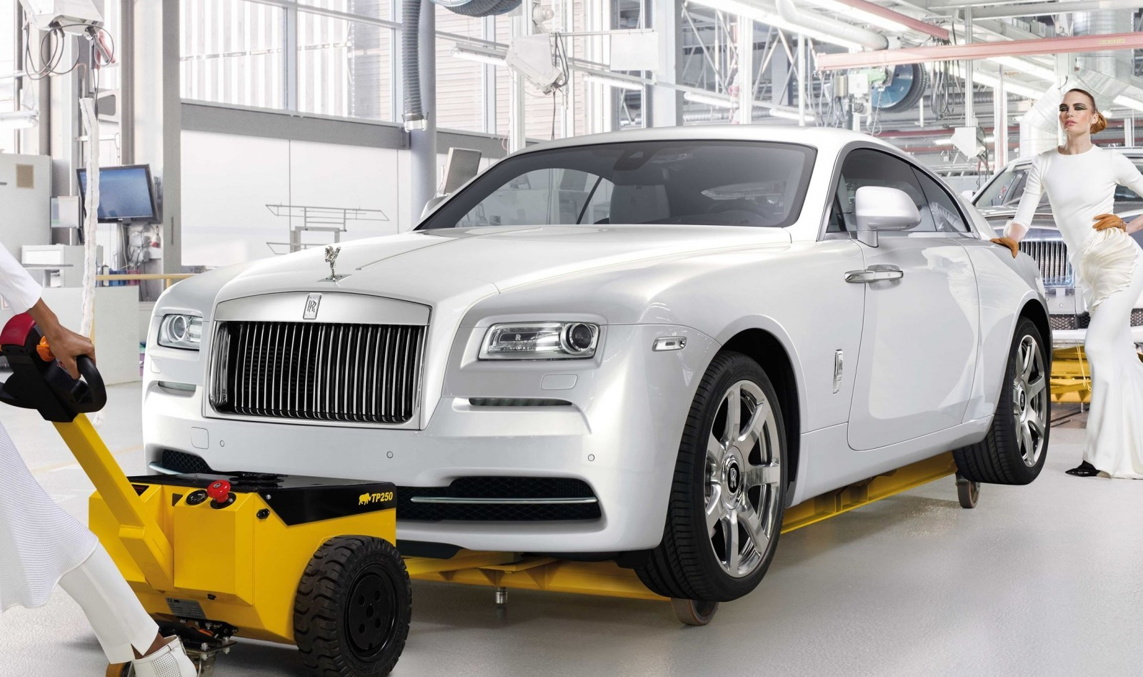 2015 rolls royce wraith inspired by fashion edition. Black Bedroom Furniture Sets. Home Design Ideas