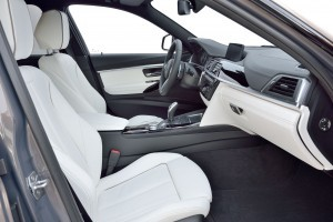 2016 BMW 3 Series Interiors 14