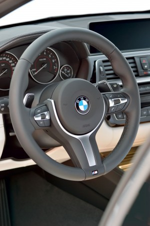 2016 BMW 3 Series Interiors 20