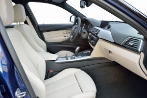 2016 BMW 3 Series Interiors 24