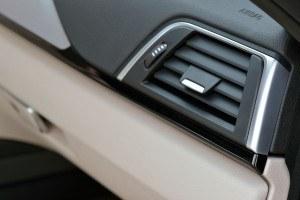 2016 BMW 3 Series Interiors 28