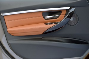 2016 BMW 3 Series Interiors 8