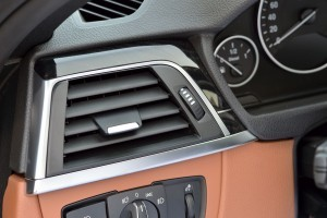 2016 BMW 3 Series Interiors 9