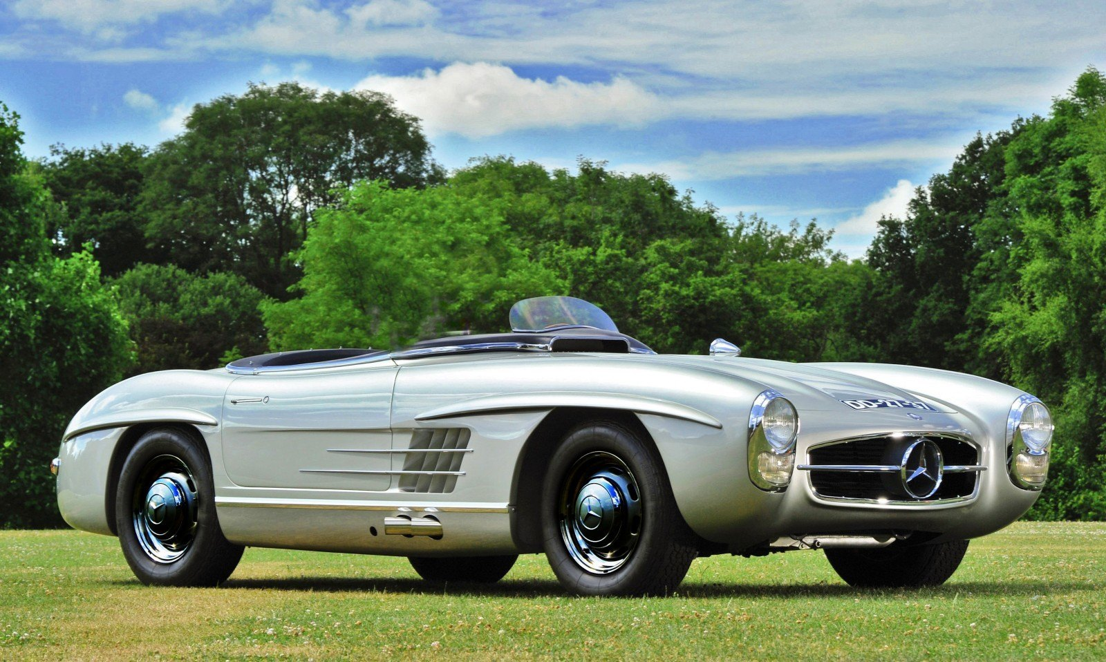 1957 mercedes benz 300sls racing for Mercedes benz cool springs