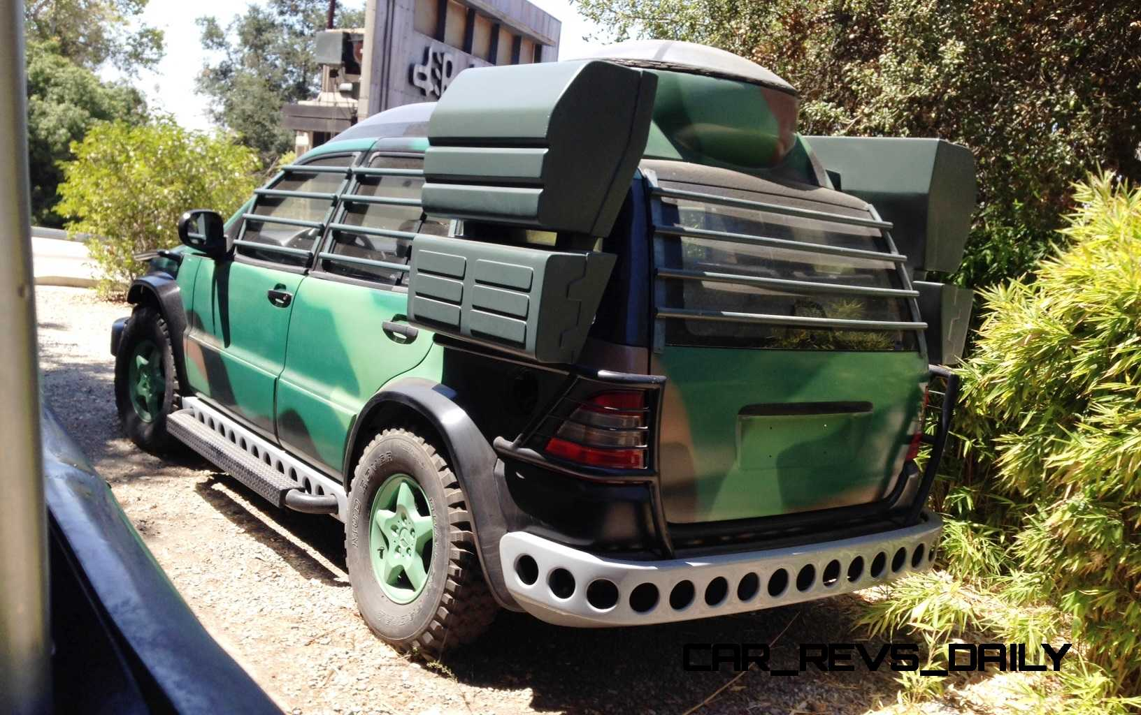 Mercedes Jurassic World 3
