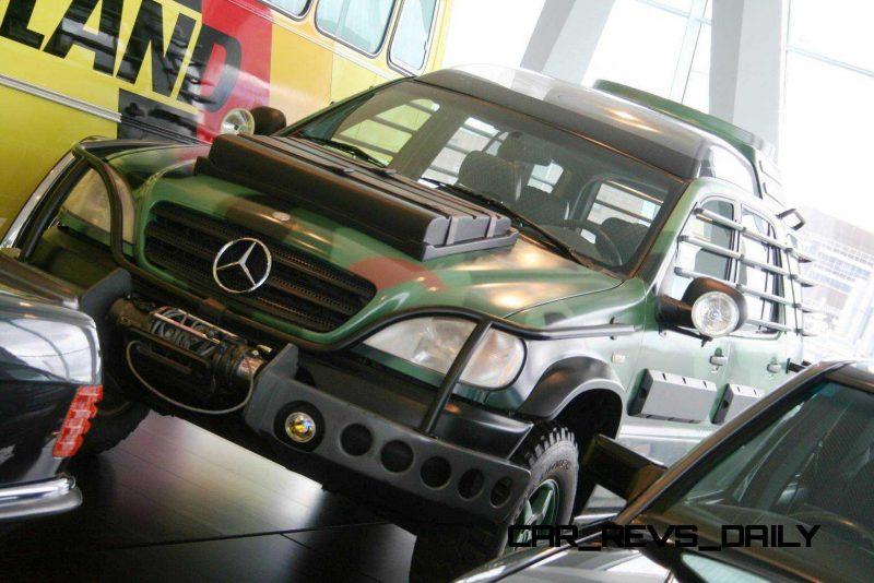 Mercedes Jurassic World 5