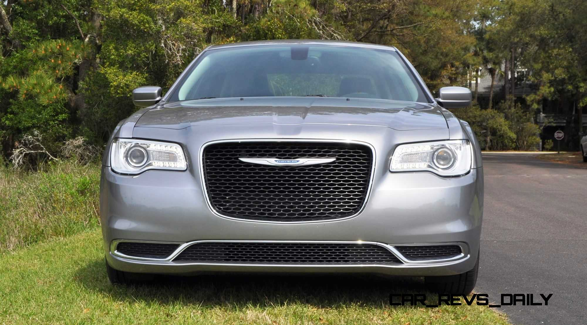 road test review 2015 chrysler 300 limited 118. Black Bedroom Furniture Sets. Home Design Ideas