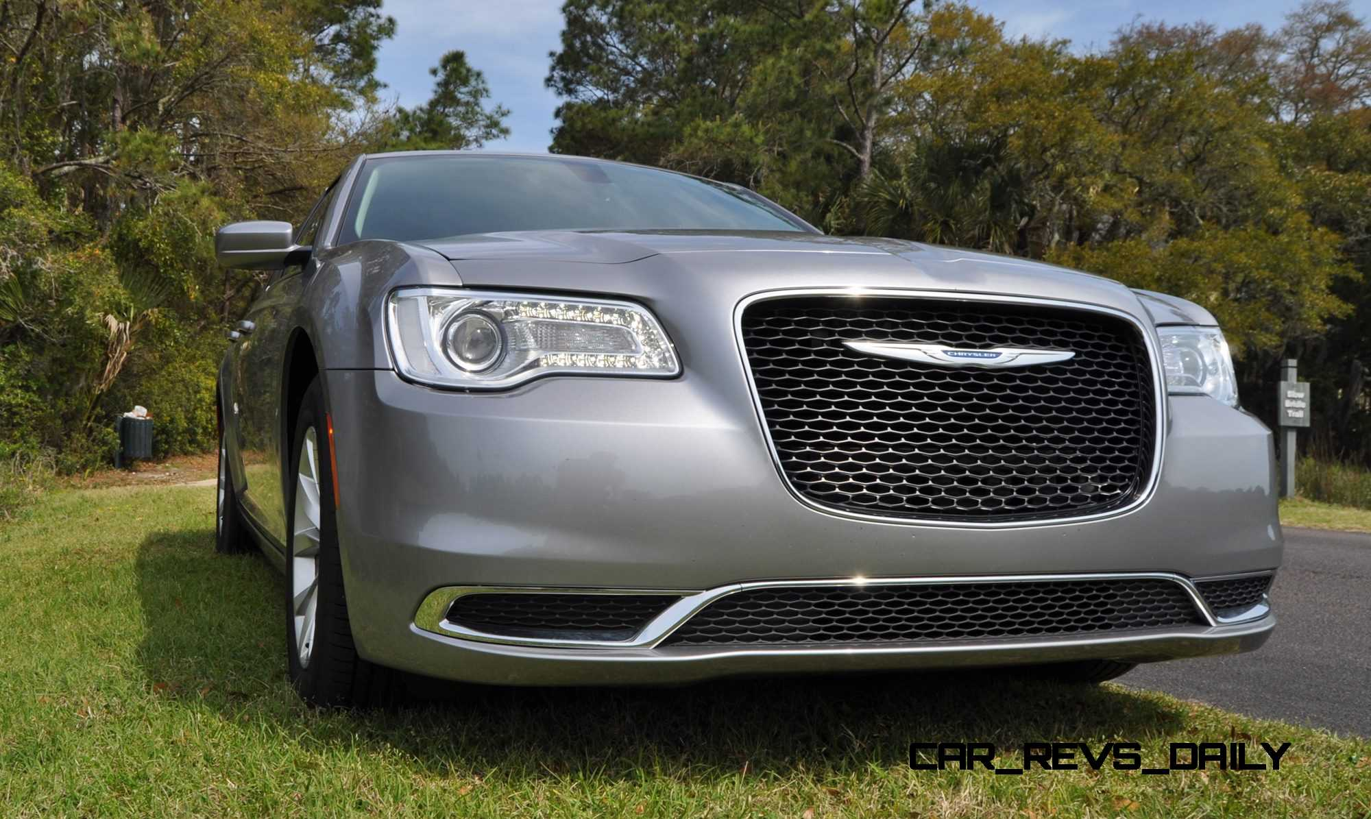 road test review 2015 chrysler 300 limited 124. Black Bedroom Furniture Sets. Home Design Ideas