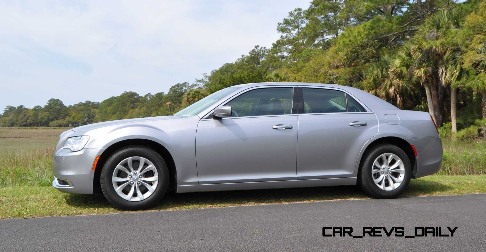 road test review 2015 chrysler 300 limited 128. Black Bedroom Furniture Sets. Home Design Ideas