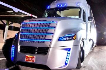 daimler-freightliner-inspiration-truck-9659