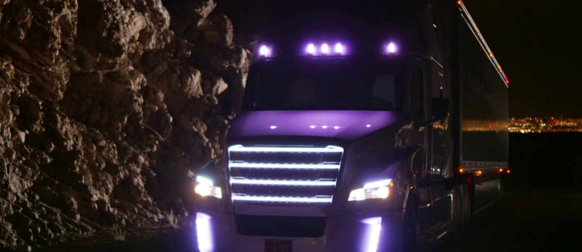 freightliner_inspirationtruck_night4