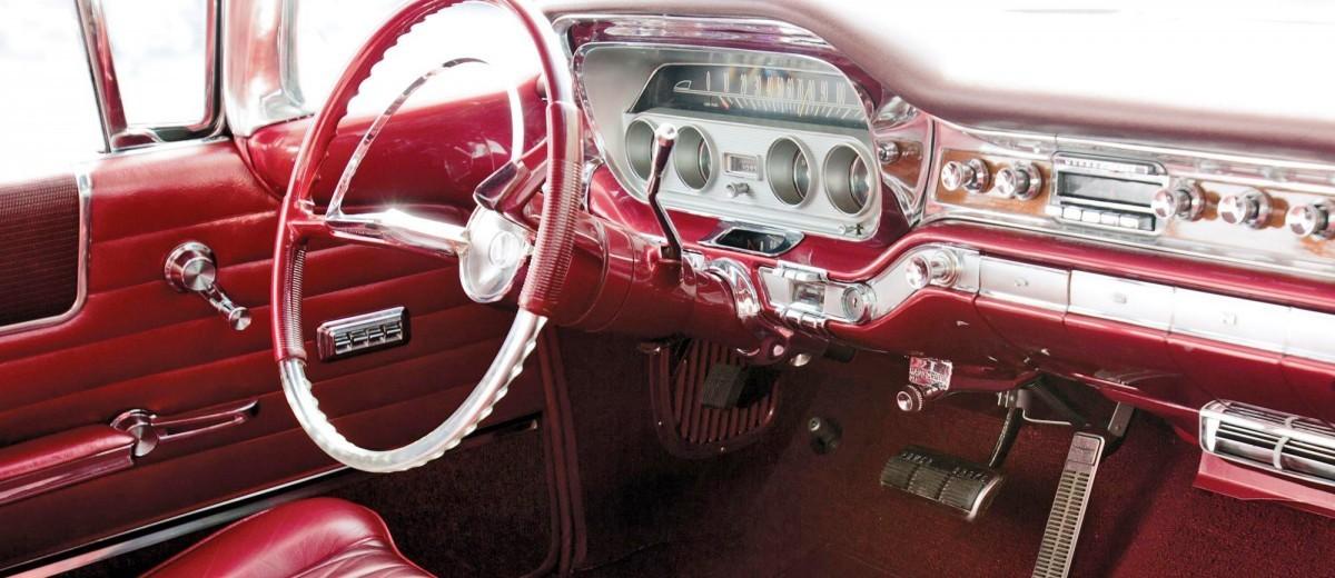 1960 Pontiac Bonneville Sport Coupe 11
