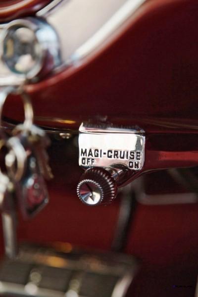 1960 Pontiac Bonneville Sport Coupe 14